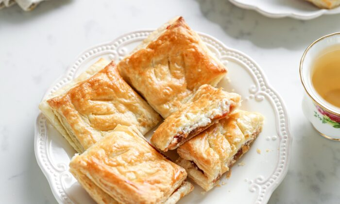 Flaky, buttery pastry, syrupy-sweet guava, and rich, tangy cream cheese come together into an irresistible treat. (Samira Bouaou/The Epoch Times)