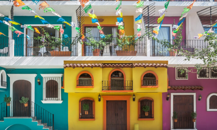 A colorful street in Puerto Vallarta, Mexico. (Kate_N/Shutterstock)