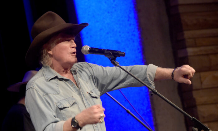 Billy Joe Shaver performs at the Country Music Hall of Fame and Museum during the Americana Music Festival in Nashville, Tennessee, on Sep. 20, 2014. (Rick Diamond/Getty Images)