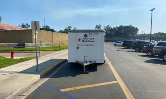 Irvine Residents Find Refuge in Evacuation Centers During Silverado Fire