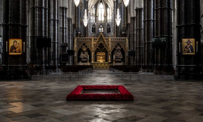 The grave of the Unknown Warrior in Westminster Abbey, London. (Alistair Fenn/National Army Museum)