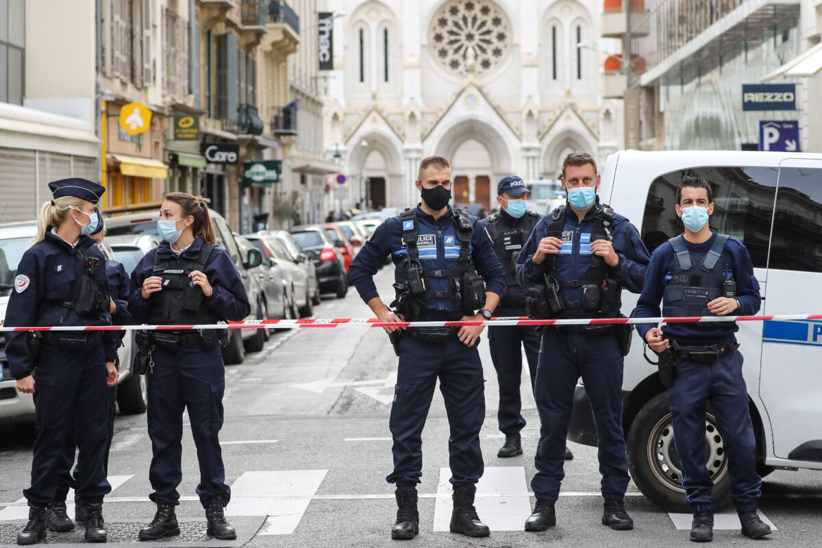 Police block the access to the Notre-Dame de l'Assomption