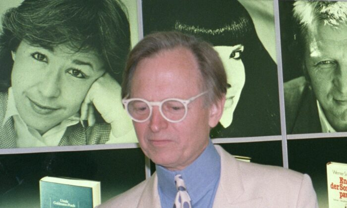 Tom Wolfe at the Frankfurt Book Fair in 1988. (MoSchle/GFDL)