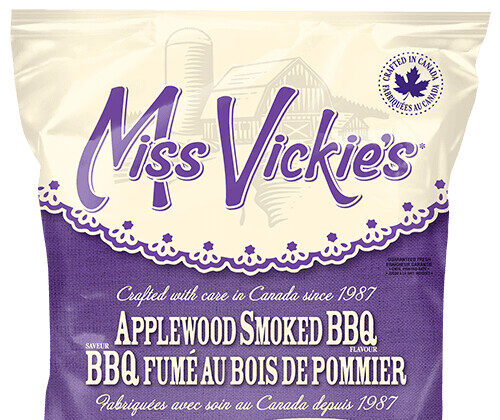 Miss Vickie's Canada is recalling some kettle cooked chips in various-sized packages due to a possible glass contamination. (Canadian Food Inspection Agency Handout)