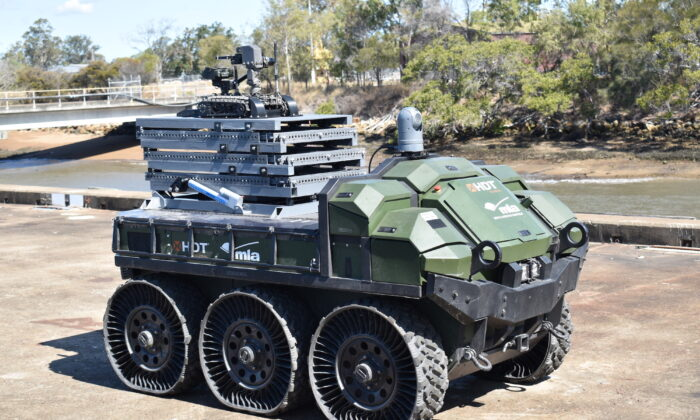 Hunter Wolf (HUM-T) a Heavy Unmanned Ground Vehicle used during Exercise GENESIS as part of Autonomous Warrior 2020-4. (ADF)