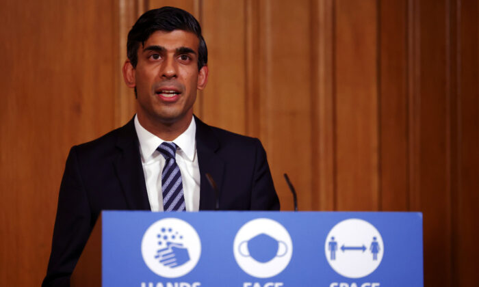 File Photo shows Britain's Chancellor of the Exchequer Rishi Sunak attending a news conference amidst the spread of the CCP virus, at Downing Street in London, on Oct. 22, 2020. (Henry Nicholls/Pool/Reuters)