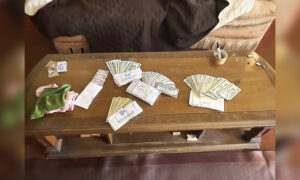 House Flipper Finds $10,000 Stash Hidden in Living Room, Returns It to Former Owner