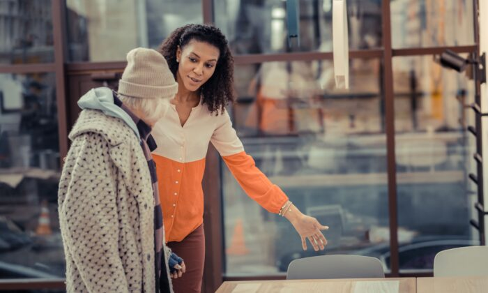 Those who witnessed a kind act were more likely to act more generously themselves afterward, researchers found. (Dmytro Zinkevych/Shutterstock)