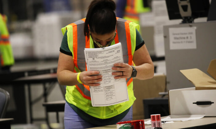 Election workers count ballots in Philadelphia, Penn., on Nov. 4, 2020. (Spencer Platt/Getty Images)