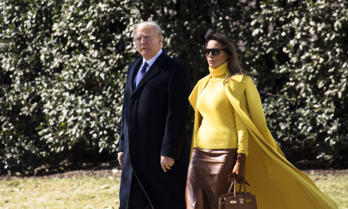 President Donald Trump and First Lady Melania Trump about to board Marine One on the South Lawn of the White House on Jan. 1, 2018, en route to Joint Base Andrews to depart to Cincinnati, Ohio. (Samira Bouaou/The Epoch Times)