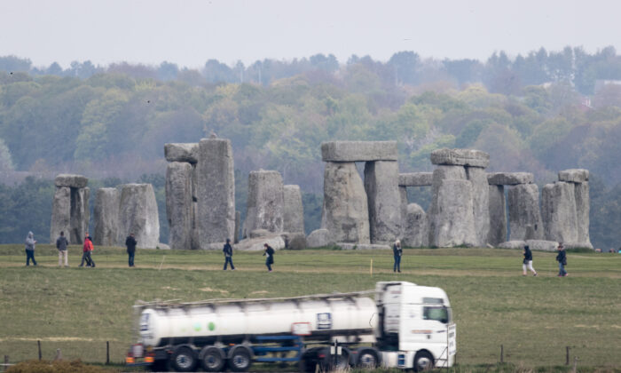 Traffic passes along the busy A303 that currently runs besides the ancient neolithic monument of Stonehenge near Amesbury on April 20, 2017 in Wiltshire, England.  (Matt Cardy/Getty Images)