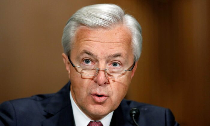 Wells Fargo CEO John Stumpf testifies before a Senate Banking Committee hearing on the firm's sales practices on Capitol Hill in Washington on Sept. 20, 2016. (Gary Cameron/Reuters)