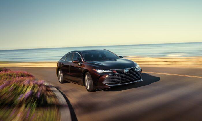 2020 Toyota Avalon Hybrid. (Courtesy of Toyota)