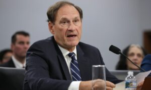 Alito Moves Up Supreme Court Deadline in Key Pennsylvania Mail-In Ballot Case