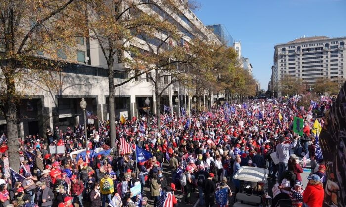 """Pro-President Donald Trump rally-goers during a """"Stop the Steal"""" rally in Washington on Nov. 14, 2020. (Jenny Jin/The Epoch Times)"""