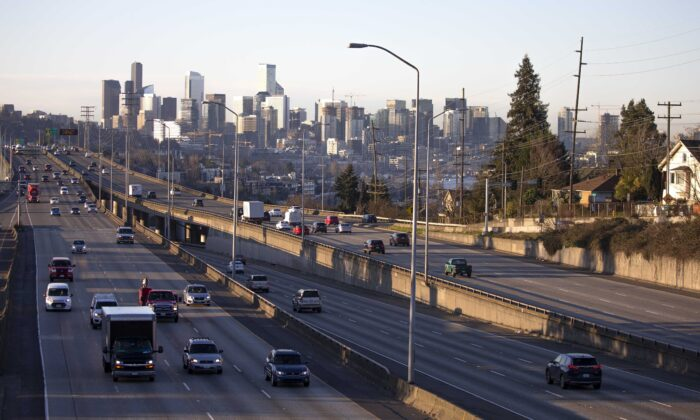 Rush hour traffic is lighter than normal during the morning commute on Interstate 5 heading in and out of Seattle, on March 16, 2020. (Karen Ducey/Getty Images)