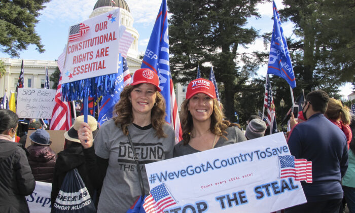 Rally attendees who want transparency in the elections protested at California's State Capitol in Sacramento on Nov. 14, 2020. (Ilene Eng/The Epoch Times)