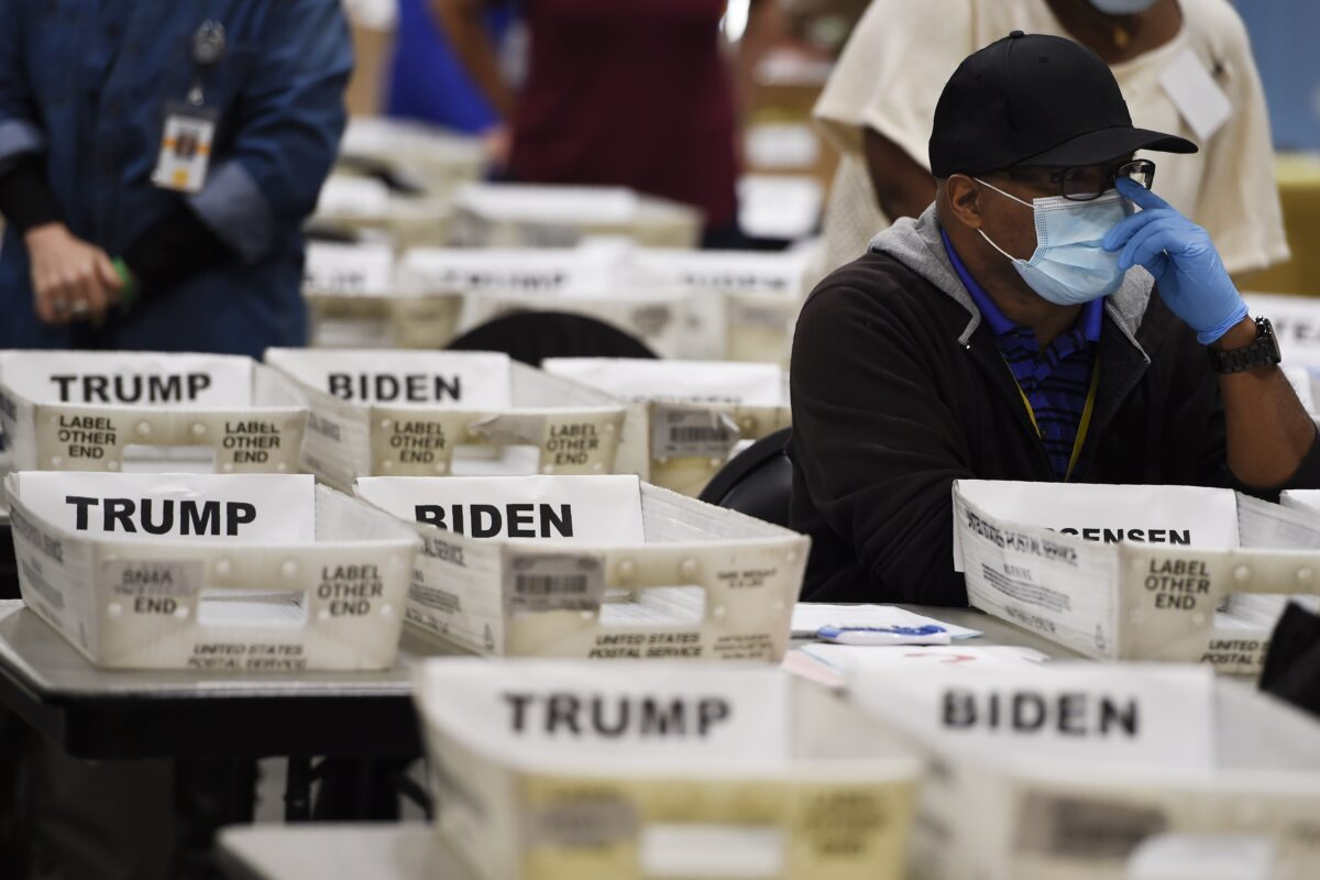 Georgia Poll Worker Says She Found 'Pristine' Batch of Ballots That Went '98%' for Biden