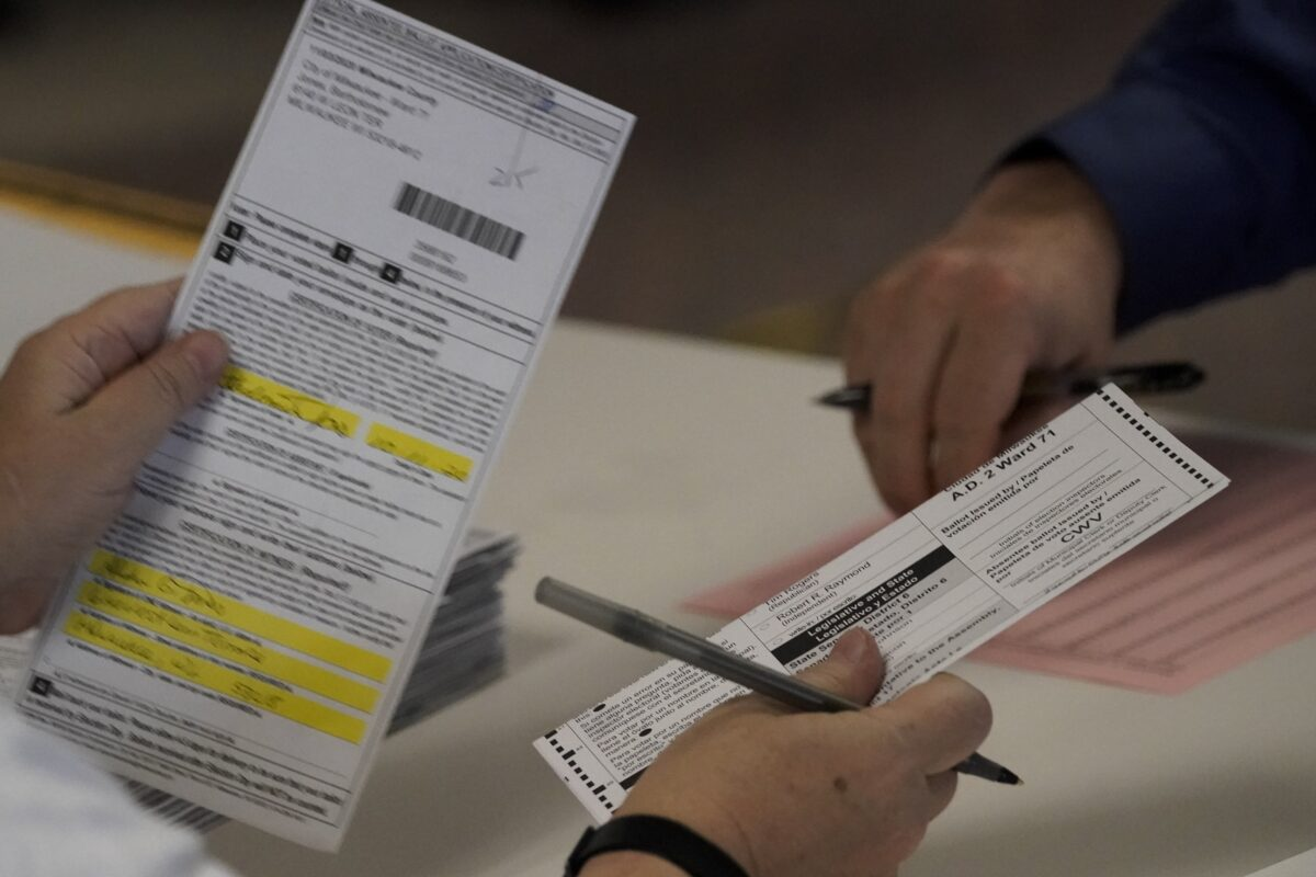 Wisconsin Elections Commission Agrees to Order Partial Recount After Trump Request