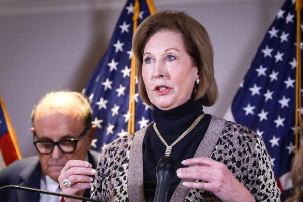 Facts Matter (Nov. 23) Sidney Powell Splits From Trump's Legal Team