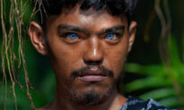 Indonesian Tribe Full of People With Startling BLUE Eyes Will Take Your Breath Away