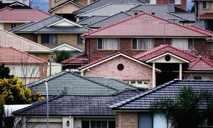 High density housing is seen in an established suburb August 2, 2006 in Sydney, Australia. (Ian Waldie/Getty Images)