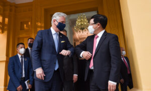 US National Security Adviser Urges Vietnam to End Re-Routing of China Exports to Avoid Tariffs