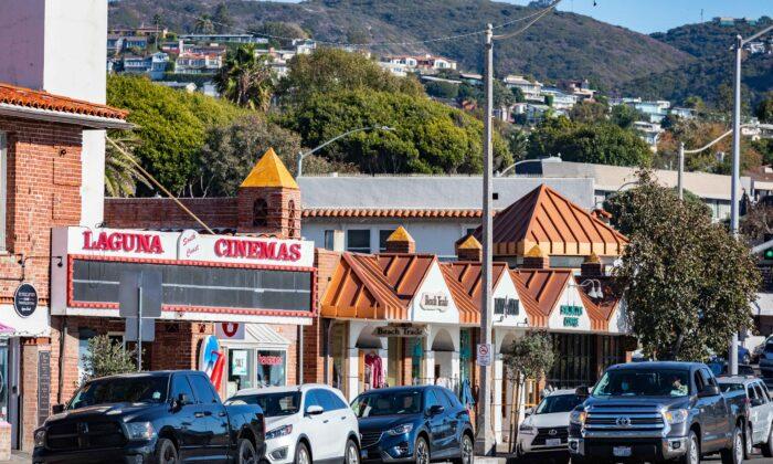 A row of shops faces Main Beach in Laguna Beach, Calif., on Nov. 18, 2020. (John Fredricks/The Epoch Times)