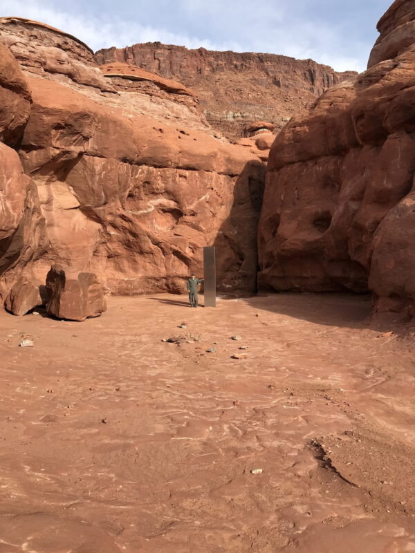 Metal monolith is discovered in Red Rock Country in Utah