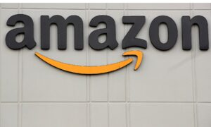 Amazon to Give $500 Million in Holiday Bonuses to Front-Line US Workers