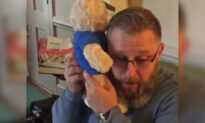 Dad Hears Late Son's Heartbeat in Teddy Bear, Gift From Transplant Recipient