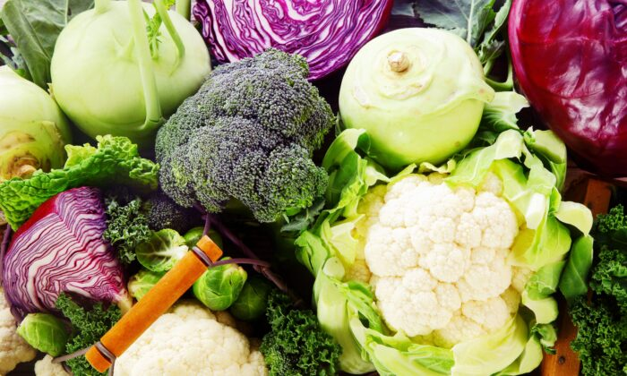 Those who ate more cruciferous vegetables had a lower risk of extensive calcium buildup in their aorta. (stockcreations/Shutterstock)