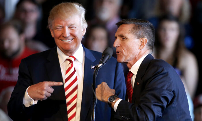 Then-Republican presidential candidate Donald Trump (L) and retired Gen. Michael Flynn at Grand Junction Regional Airport on Oct. 18, 2016. (George Frey/Getty Images)