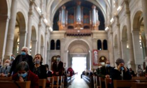 Court Orders France to Review COVID-19 Crowd Limits in Churches