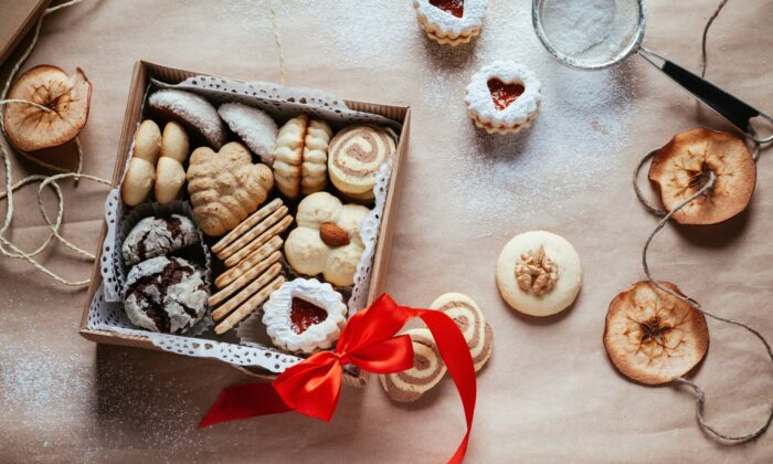 Homemade food gifts are a thoughtful, fun, and generally inexpensive way to share the season with others. (NatashaPhoto/Shutterstock)