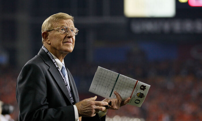 Former Notre Dame head coach Lou Holtz looks on during a game in Glendale, Ariz,, on Jan. 10, 2011. (Kevin C. Cox/Getty Images)