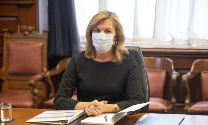 Ontario Health Minister Christine Elliott Ontario attends a  Vaccine Distribution Task Force meeting at the Queen's Park  in Toronto, on Dec. 4, 2020. (The Canadian Press/Chris Young)