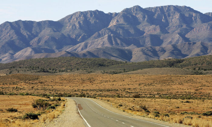 The highway stretches towards the Flinders Ranges near Hawker, Australia on  June 6, 2005.  (Ian Waldie/Getty Images)