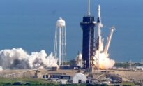 Double Dragons: SpaceX Launches Space Station Supplies