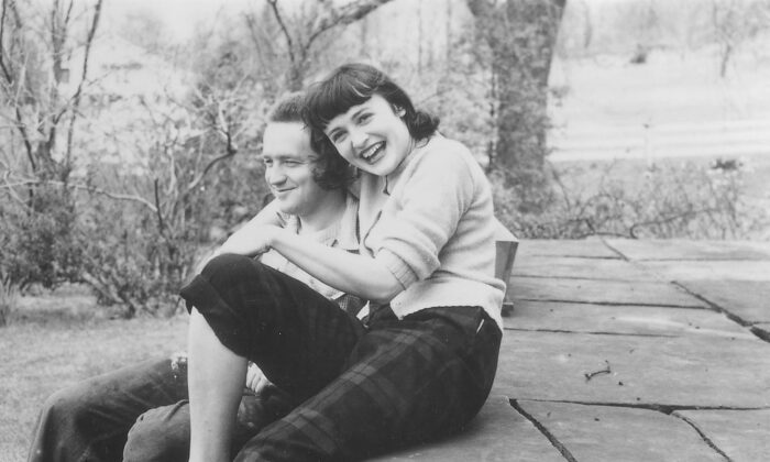 Andrew and Betsy Wyeth in Chadds Ford, circa 1940. (Courtesy of the Wyeth Family Archives)