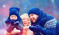 10 Simple Holiday Traditions to Enjoy With Your Family