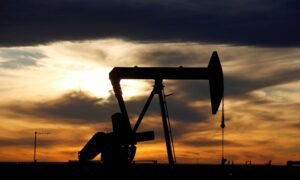 Texas Oil Refiners Will Take Weeks to Recover, Pushing Up US Gasoline Prices