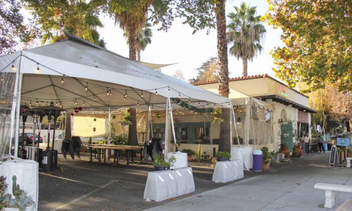 An empty outdoor dining tent at Luna Mexican Kitchen in San Jose, Calif., on Dec. 7, 2020. (David Lam/The Epoch Times)