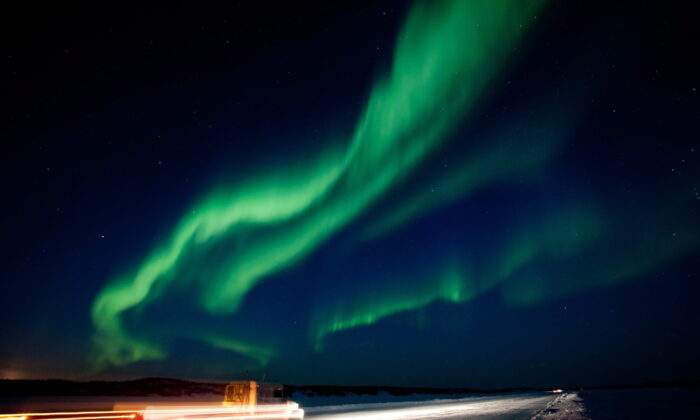 A brilliant show of the aurora borealis near Yellowknife, N.W.T. is shown in the night sky on March 8, 2012. (Bill Braden/The Canadian Press)