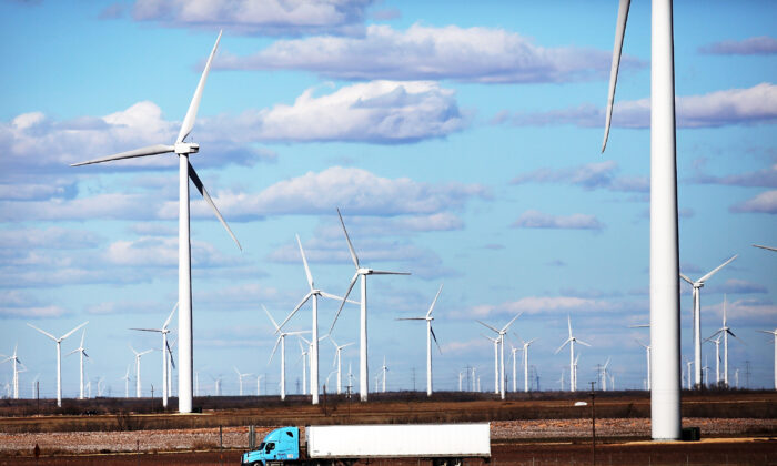 Wind turbines are viewed at a wind farm in Colorado City, Texas, on January 21, 2016. (Spencer Platt/Getty Images)