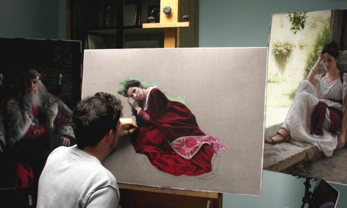 Master pastel painter Rubén Belloso Adorna in his studio in Seville, Spain. (Courtesy ofRubén Belloso Adorna)