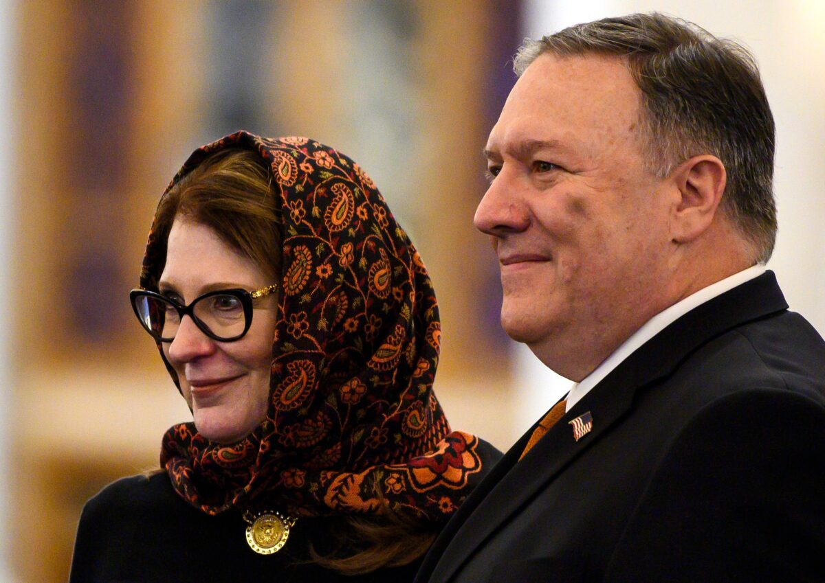 U.S. Secretary of State Mike Pompeo (R) and his wife Susan