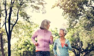 Older Women Who Walk Daily Reduce Risk of High Blood Pressure