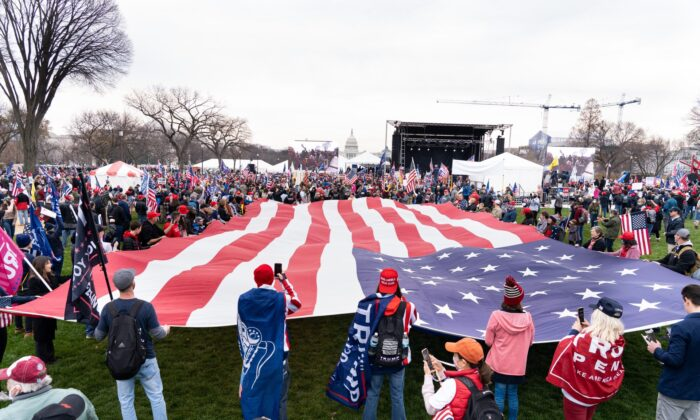 President Trump's supporters stage a rally in Washington, on Dec. 12, 2020. (Larry Dai/The Epoch Times)