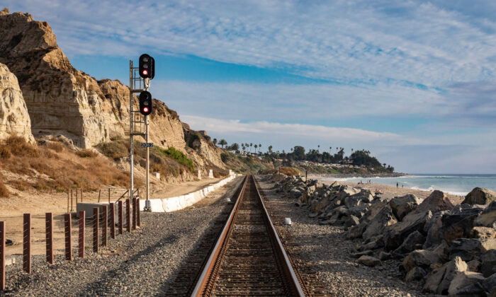The route for Amtrak's Pacific Surfliner runs along these tracks, seen in San Clemente, Calif., on Dec. 8, 2020. (John Fredricks/The Epoch Times)